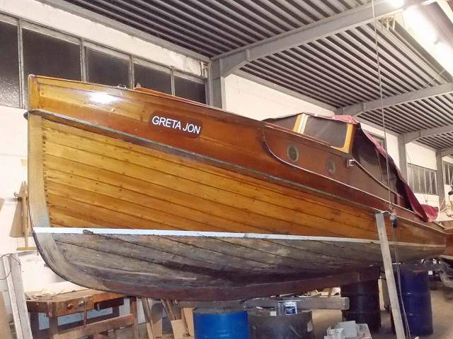 Restauration-HolzMotorboot-01