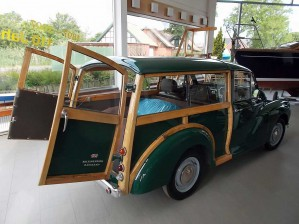 Fricke & Dannhus: Restauration Oldtimer Morris Minor 1000 Traveller